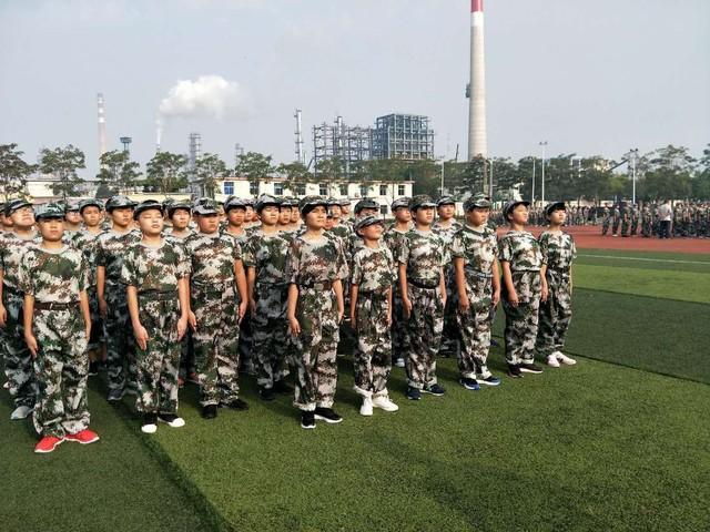 第三期沧州八中北校区初中一年级29班军训精彩瞬间。