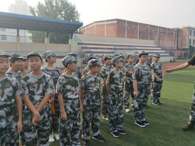 第五期沧州八中北校区初中一年级29班军训精彩瞬间。