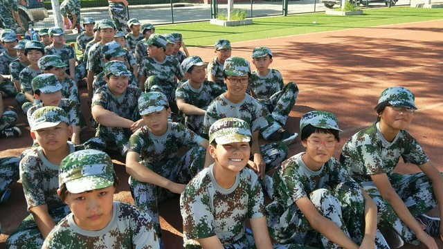第七期沧州八中北校区初中一年级29班军训精彩瞬间。